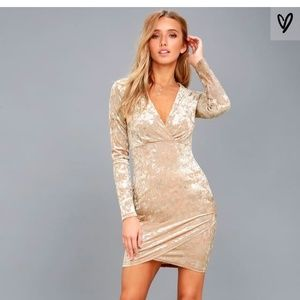 Long sleeve eye catching, shift dress